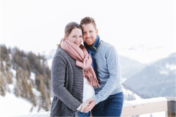 Winterliche Babybauchfotos am Wallberg am Tegernsee