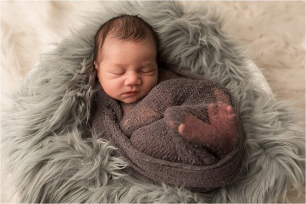 Süsse Neugeborenenfotos in Erding